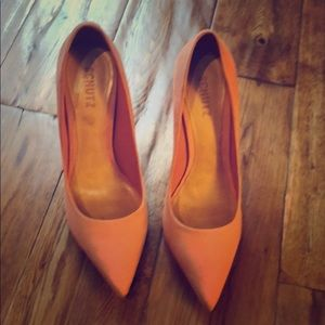 Schultz heels pink